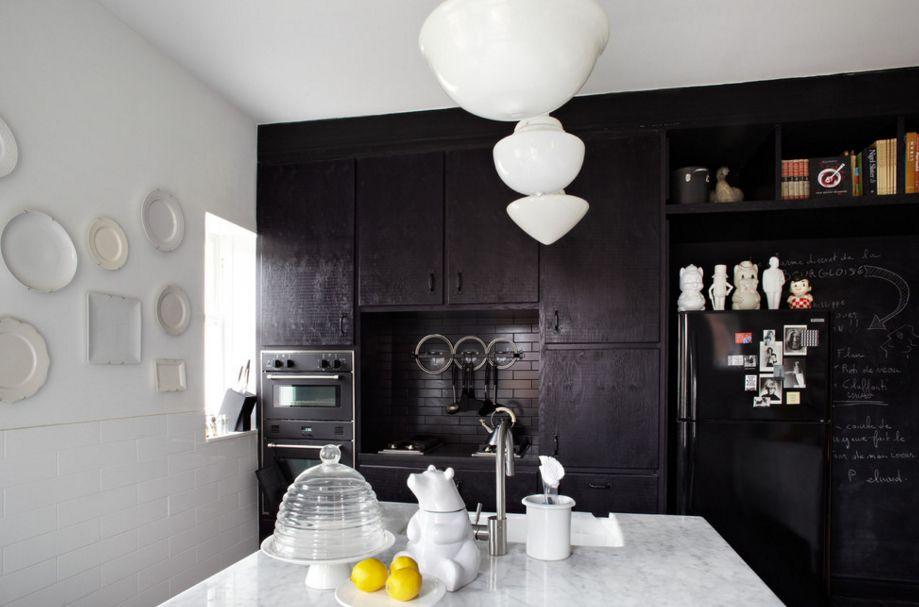 nhà bếp tông đen - trắng