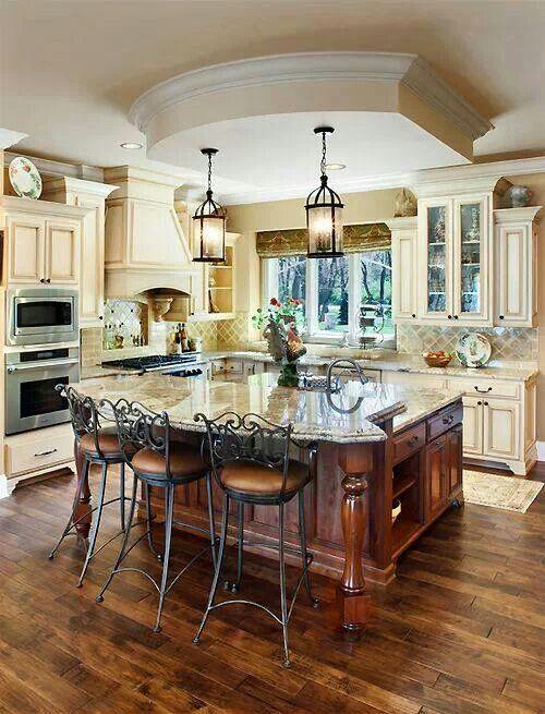 nhà bếp cổ điển đẹp