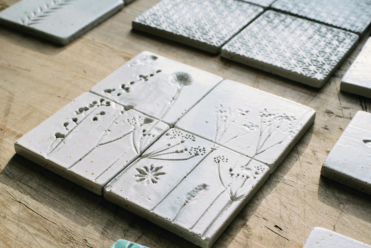 handmade ceramic tiles uk roselawnlutheran handmade ceramic tiles uk l b4a46a8009405f71 - 5 lợi ích không ai ngờ tới của gạch men khi dùng để ốp lát nhà cửa
