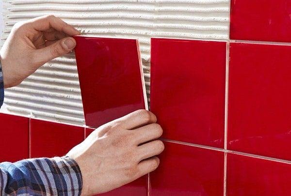 huong dan op gach tuong 17 - Hướng dẫn 6 bước tự tay ốp gạch tường đúng kỹ thuật, bền đẹp