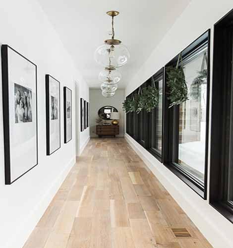 Gạch giả gỗ ốp hành lang