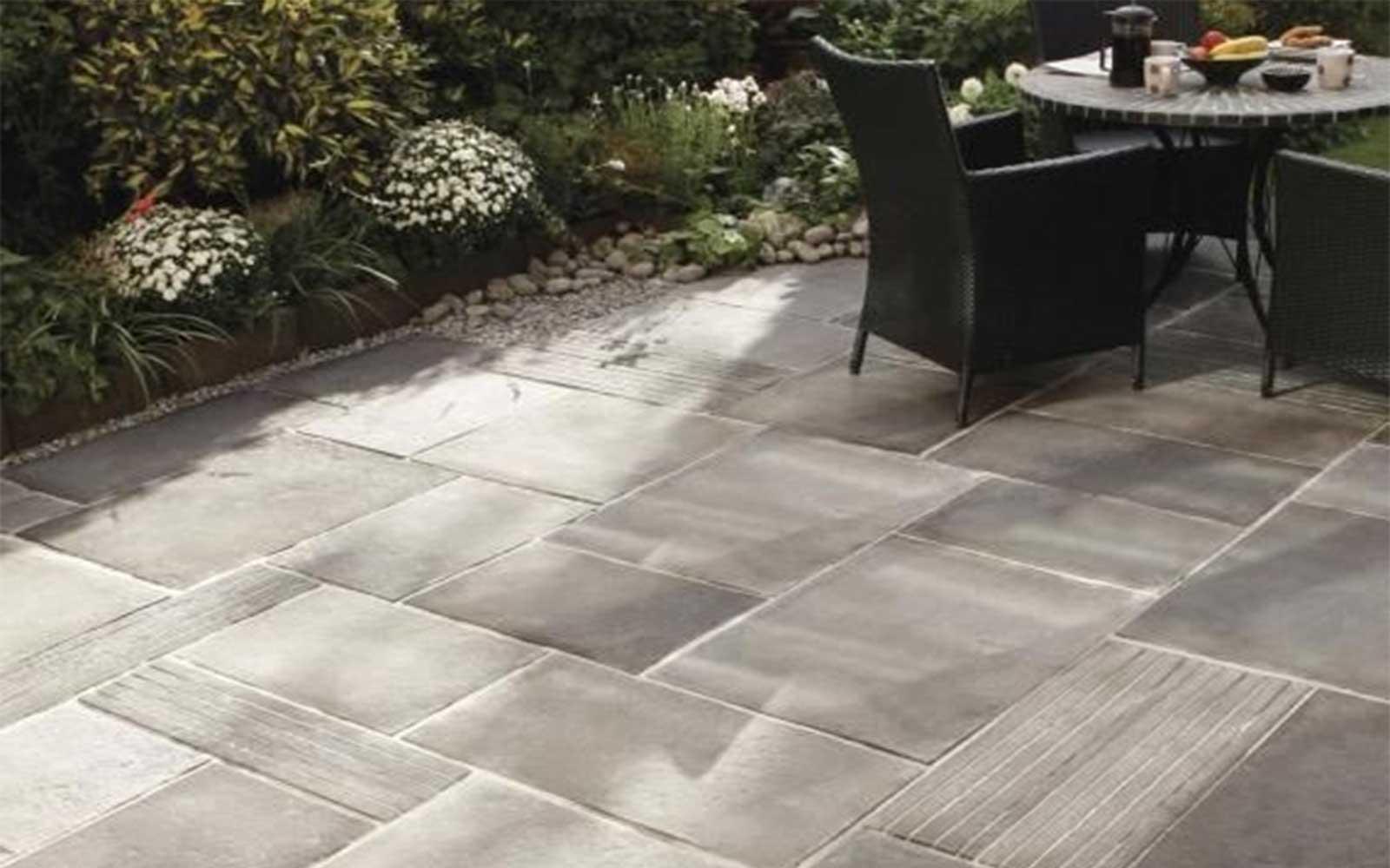 Gạch đá tự nhiên lát sân vườn chống trơn